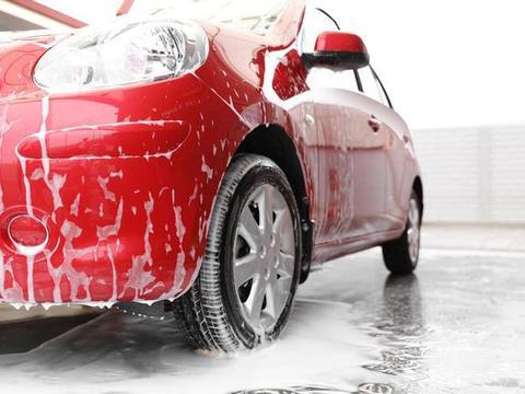 洗车养护有技巧,洗的太勤伤车漆,谨慎抛光