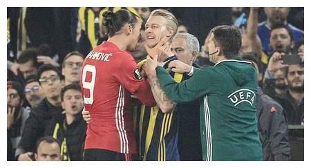 老对头重聚,伊布曾在欧联杯中锁喉克亚尔