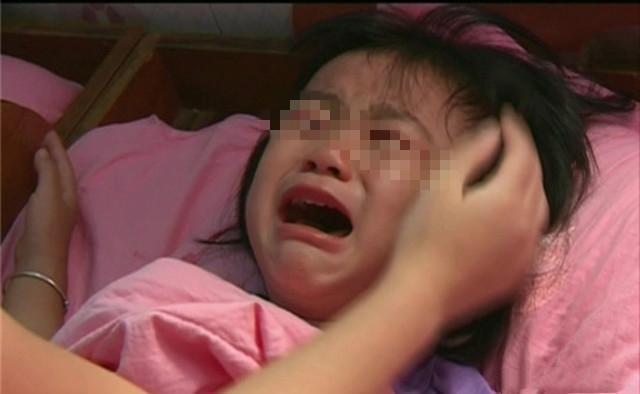 """5岁女儿晚上一直喊""""头疼"""",医生检查后,开出的药方让妈妈落泪"""