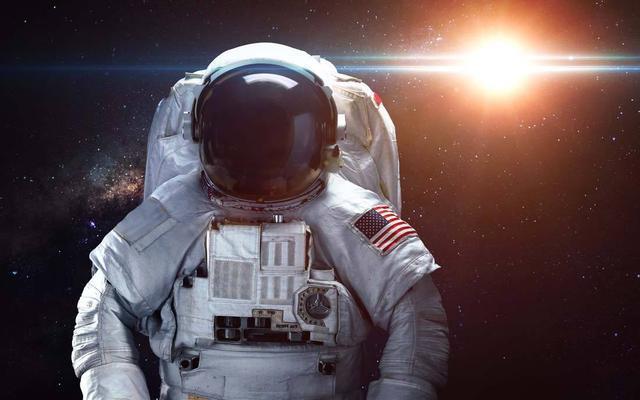 史上最倒霉航天员,被国家遗忘在太空311天,靠美国接济才活下来