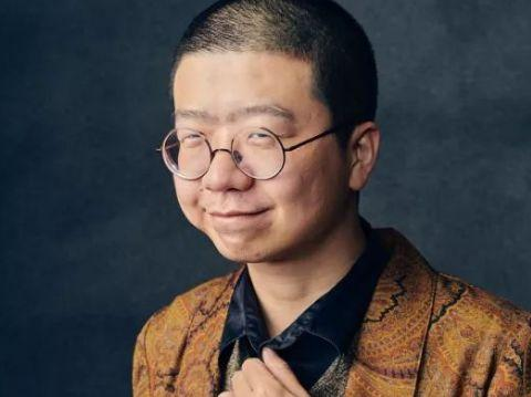 李诞黑尾酱颜值不搭?看到他大学时期的照片,岁月是把杀猪刀