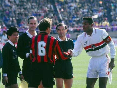 「资料」ac米兰1993-1994赛季欧洲超级杯负帕尔马+丰田杯负圣保罗