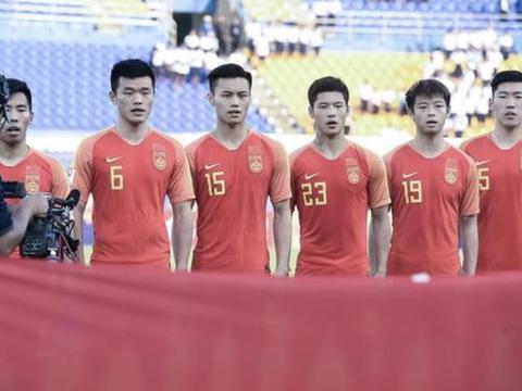 太惨了!中国男篮,男排,男足全输伊朗出局,36年耻辱纪录将诞生
