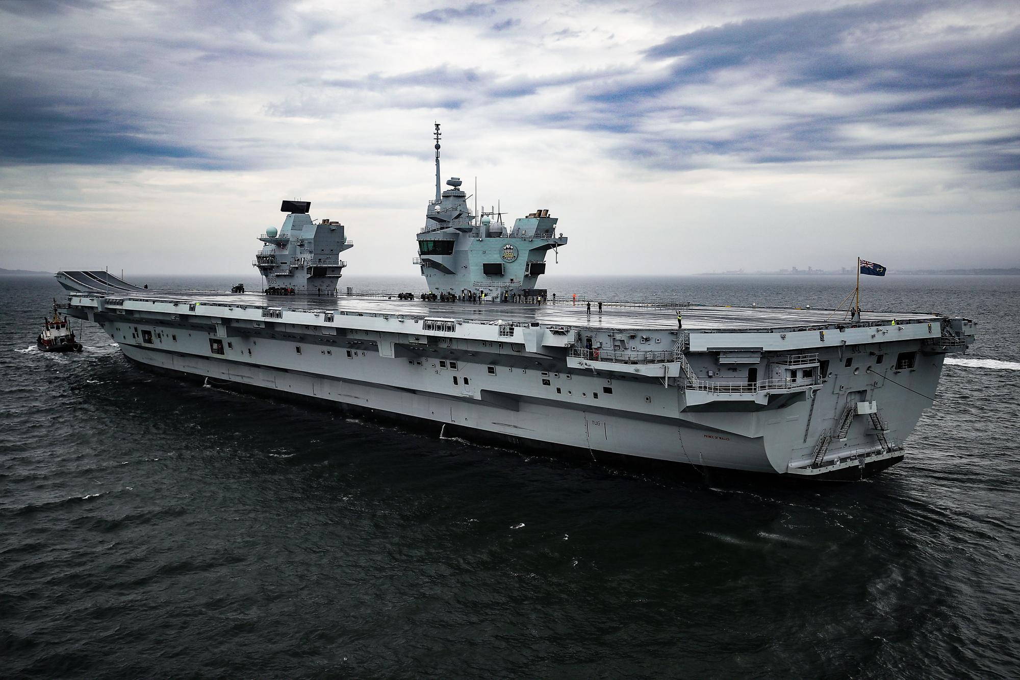 才1个月,英国就被迫退出,双航母国之列,不听张召忠劝谏的后果