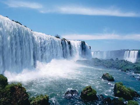 """全球最""""壮观""""的瀑布,宽度高达五千米,一眼望去如同冰川"""