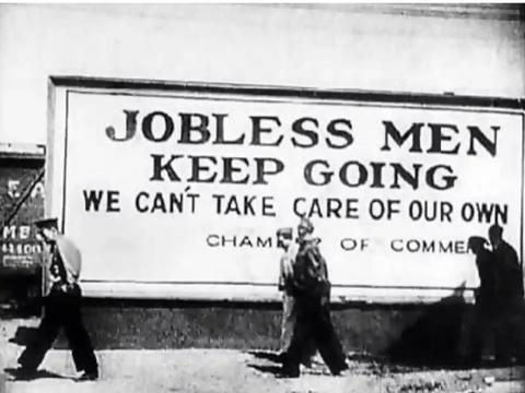 美国经济大萧条时候老照片,找工作很困难,很多人住进收容所