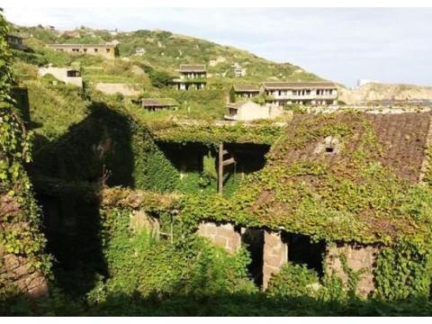 """浙江一座""""鬼村"""",周边就是坟场,如今却开发成了景区"""