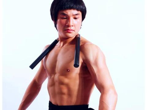 现代李小龙叫板徐晓冬:如果你和我体重一样,我能打你三个