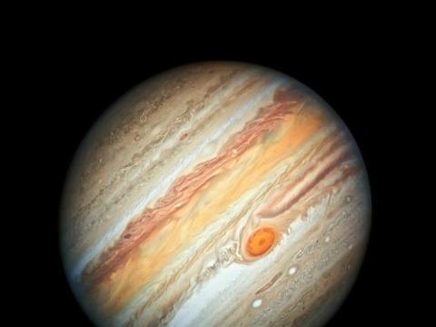 """天鹅座货运飞船脱离,年底入大气层焚毁;木星""""大红斑""""萎缩"""