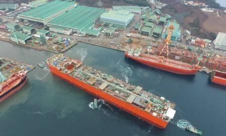 韩国造船业确实厉害!这艘价值54亿美元深水FLNG船体下水