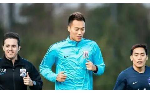 中国球员的榜样!金信煜在队内训练成绩不佳,事后加练射门一百次