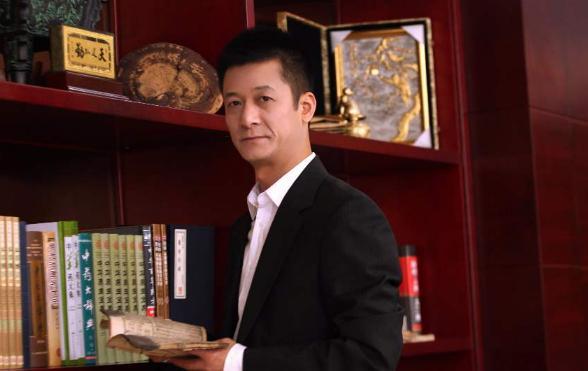 束昱辉被判9年,为什么球迷不恨他,反而认为他是真球迷?