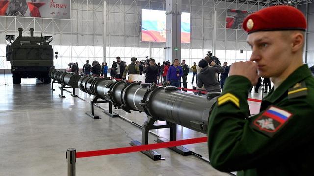 美国为何退出中导条约?接连试射中程导弹,仅为迫使俄罗斯低头?