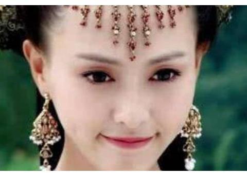 零差评古装扮相女星,唐嫣佟丽娅张馨予杨紫刘亦菲林心如谁最美?
