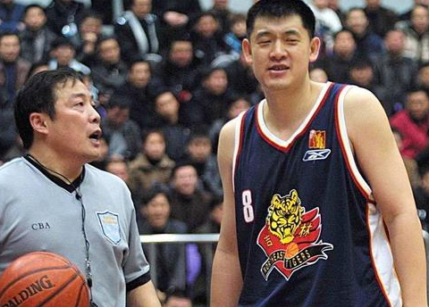 13年之后,CBA本土球员王哲林拿到50+,有多少国内球员做到过?
