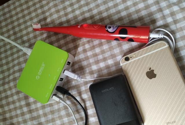 外出办公,简洁方便;奥睿科 CSA-5U智能多口USB充电器上手
