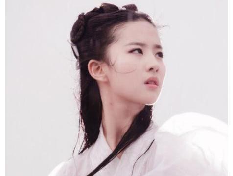 刘亦菲手捧奶茶上热搜,仙气已成过去式,网友:奶茶妹怎么办?