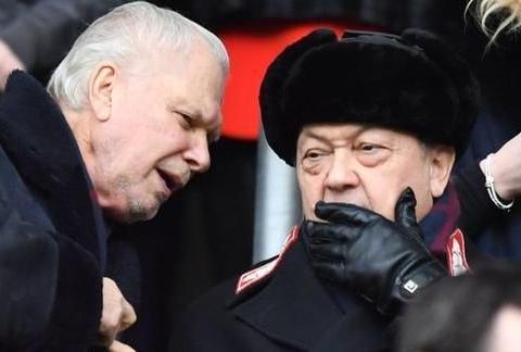 莫耶斯执教 球队重回正轨 西汉姆球迷希望彻底求变 要求换掉老板
