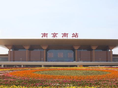 亚洲面积最大的高铁站:总投资高达300亿,看上去像一座复古宫殿