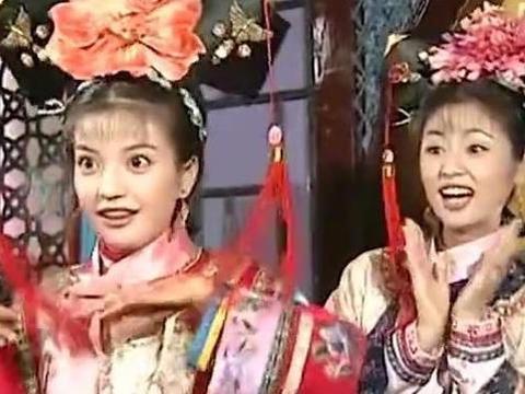 还珠格格:紫薇初见香妃,为何强调她是皇上女儿,小燕子是儿媳