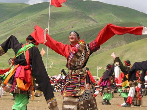 中国唯一没二三线城市的省份,分别与西藏和新疆相邻