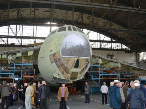 清仓甩卖?乌克兰两架伊尔76运输机仅卖4万,还有超60在机场吃灰