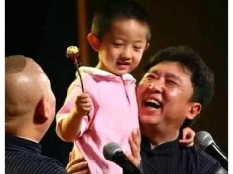 13岁孩子,不说相声,德云社都管他叫五哥,就因为他是于谦儿子?