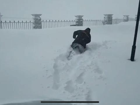 特大暴雪!中国雪都一天下雪近1米,权威预报:是大规模雨雪前兆