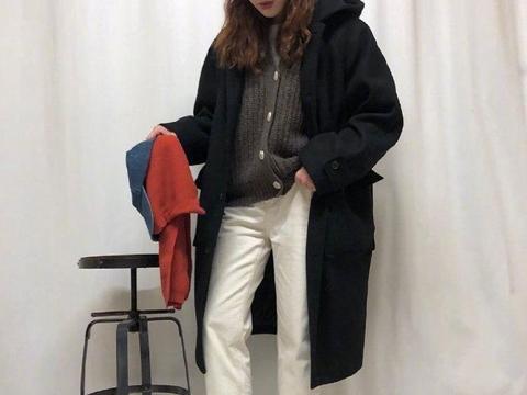 注重配色的叠穿法则,简约风女孩的冬日必备参考穿搭