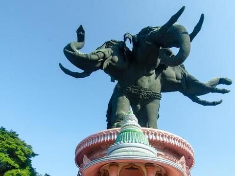 """泰国最""""少女心""""的寺庙,从里到外都是粉色,中国游客纷纷打卡"""