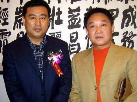 他是清华大学校长的儿子,在电视台默默无闻32年,如今58岁没结婚