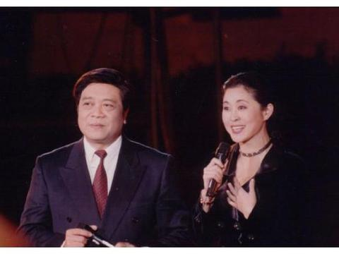 倪萍发长文追忆赵忠祥 两人是多年好友合作主持了13届春晚