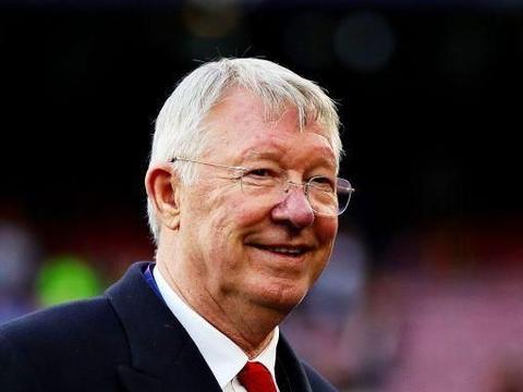 """英超双红会火热造势,利物浦队内氛围轻松,范戴克玩""""萝卜头"""""""