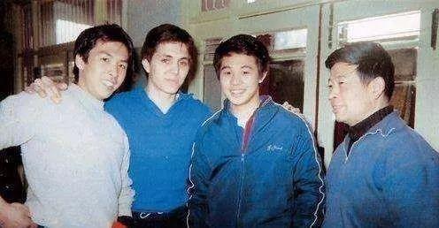 李连杰正牌师弟,32岁爆红,后迅速跌落,42岁抓住一机会终成巨星