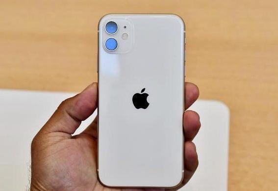"""四款苹果12基本确认,给新机让路,苹果11Pro跌至""""华为价"""""""