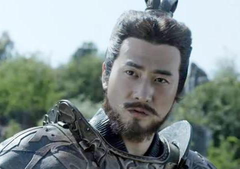 上杉虎扮演者赫子铭,为剧情需要吃生肉吃到吐,曾是何洁前夫