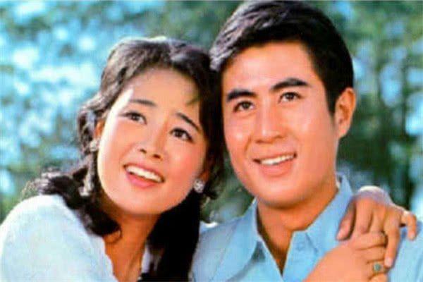 她是王丽坤的母亲,红过刘晓庆,因事业弃家出国被雪藏