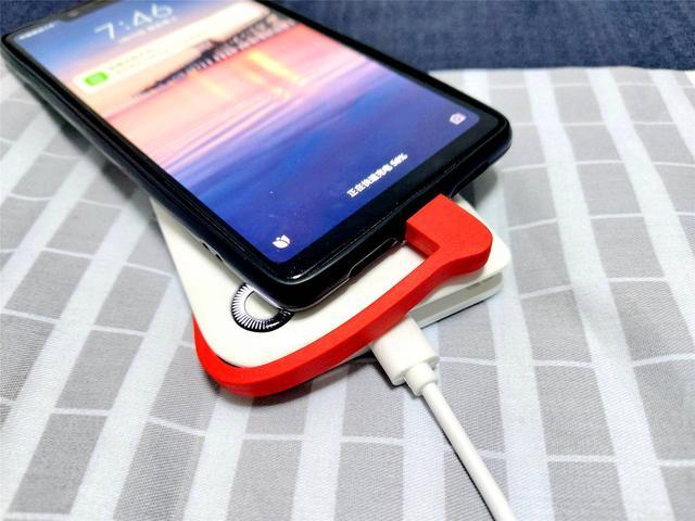 随用随取,自带充电线,邦克仕10000毫安充电宝上手体验