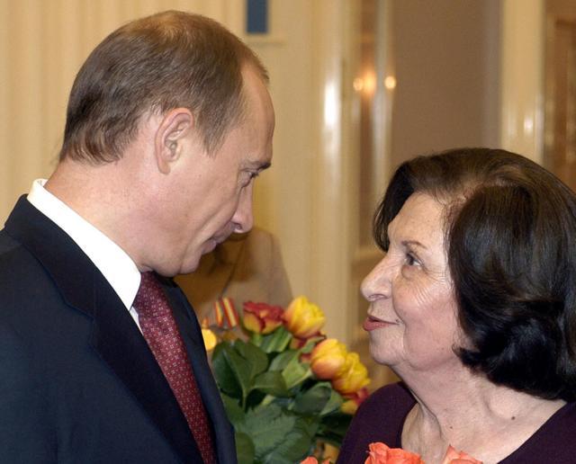 又一个俄罗斯大人物去世,普京直言是她的偶像,曾保护3大国首脑