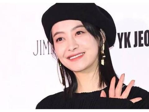 宋茜认出她在韩国发展时最大的站姐,笑着回头看她,粉丝看哭了