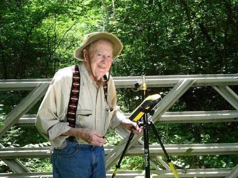 102岁还在上班,美国最年长的雇员下月6日终于要退休啦