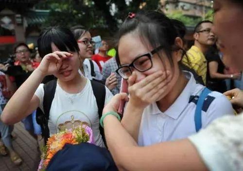 """高考历史上,最难的3次""""数学考试"""",考生都是含泪走出考场!"""