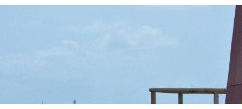 一艘越南军舰驶近赤瓜礁后,我军果断调转岸炮炮口,河内迅速服软