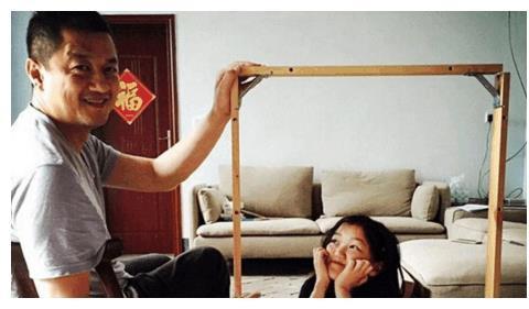 王菲回应李亚鹏新恋情, 望等女儿大点再结婚?