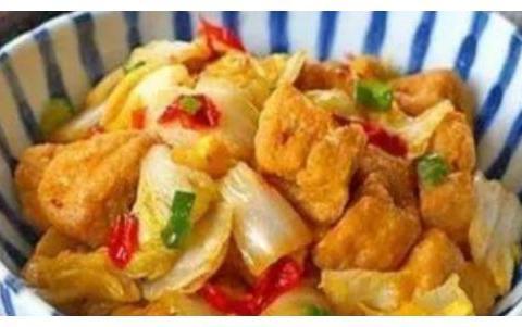 精选美食:香辣炖猪蹄、猪肉烧冬瓜、白菜烧豆腐、香酥鸡翅