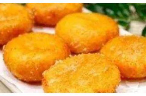 精选美食:腰果百合爆西芹、薯香南瓜饼、泡菜炒竹笋、香烤牙签肉