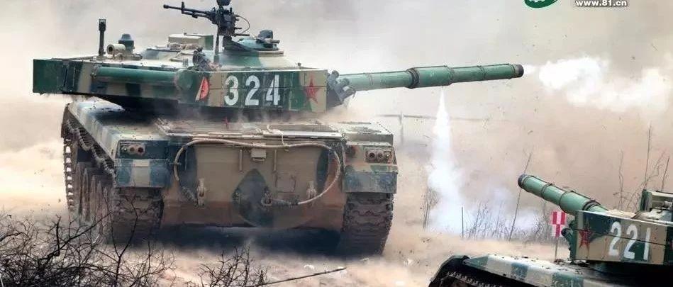 我军坦克兵曾因连开28炮竟中毒昏迷,炮管上的鼓包是怎么解决这个问题的?