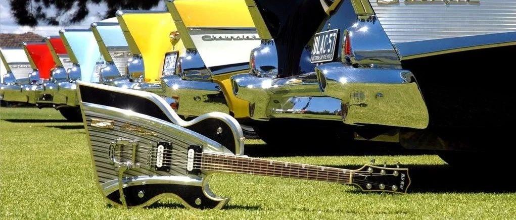 弹着吉他唱着歌,歌里的故事都关于车