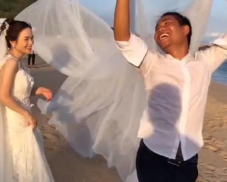 新娘拍婚纱照,摄影师指导,逗坏众人,网友:也是醉了