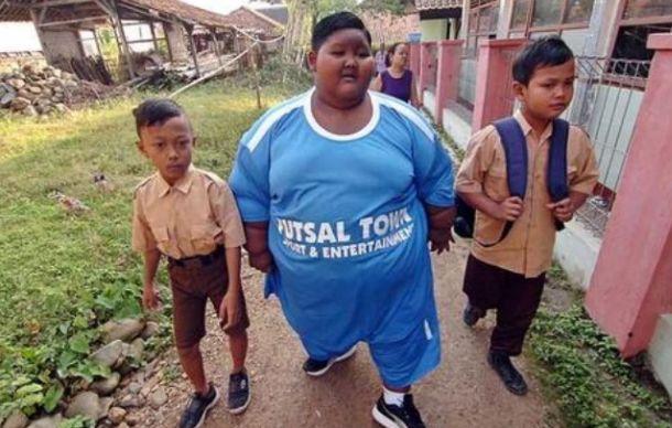 世界上最胖的小孩192公斤,两年时间恢复成瘦子,现状如何